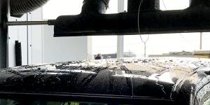 拭き上げは、トップノズル・サイドノズルの強力なファンが、人の手で吹き上げたように水滴を吹き飛ばすの、拭き上げが簡単で済みます。